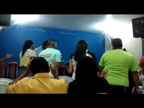 Pastor Cleidson silva orando pelos obreiros e obreiras da IECI SACRAMENTO SG.