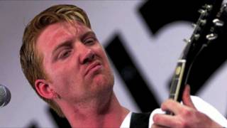 Queens of the Stone Age - Born to Hula (2000) in HD