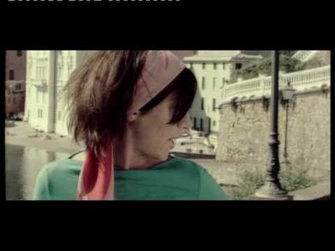 Клип Ingrid - Tu Es Foutu