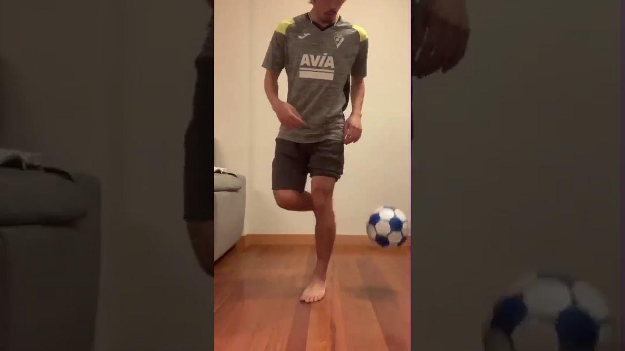 ボール サッカー あつ 森