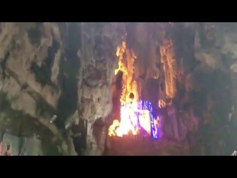 Kondisi di dalam Batu Caves Kualalumpur, Malaysia (1 May 2106)