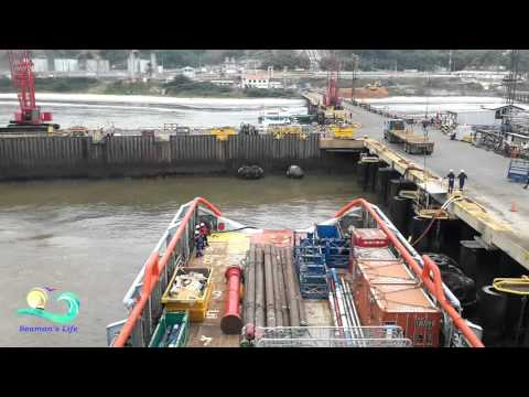 Offshore Timelapse #4 - Mooring of AHTS in Port, Cargo Operations in Port
