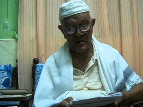 imam berusia 93 menyanyikan nasyid ciptaan nya sendiri...(junjugan mulia) part 1