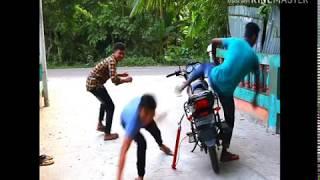 Download Video বিদেশী ফানি ভিডিও  হাসির কান্ড........... MP3 3GP MP4