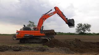 Video still for Doosan Real Work Stories: Chris Loehmer with Crawler Excavators and Wheel Loaders