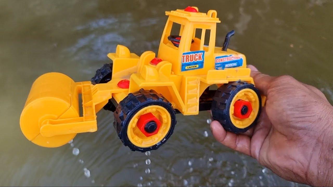 Menemukan Dan Membersihkan Mainan Berlumpur, Truk Giling, Truk Pasir, Mobil Balap, Beko