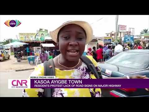 Kasoa Ayigbe Town Residents Protest The Lack Of Road Signs On Accra-Cape Coast Highway