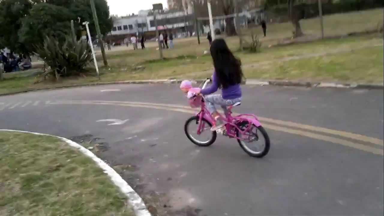 Imagen De Niña Andando En Bicicleta: El Dia Que Giuliana Aprendio Andar En Bicicleta Sin Rueda