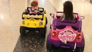 DIRRIGIMOS UM CARRO DE VERDADE - QUEM GANHOU A CORRIDA? | BABY DRIVING CAR | DIVERSÃO NO SHOPING