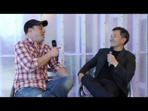 Injustice Battle Arena Celebrity Experts: Geoff Johns and Jim Lee (Semi Finals)