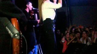 karina en la carpa rafael perazza , San Jose , Uruguay (parte 6 : actuacion en el escenario)