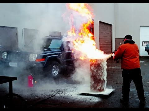 DUNKING RED HOT ANVIL IN MOTOR OIL - 10 FOOT FLAME! Heat Treat - Blacksmith Fail