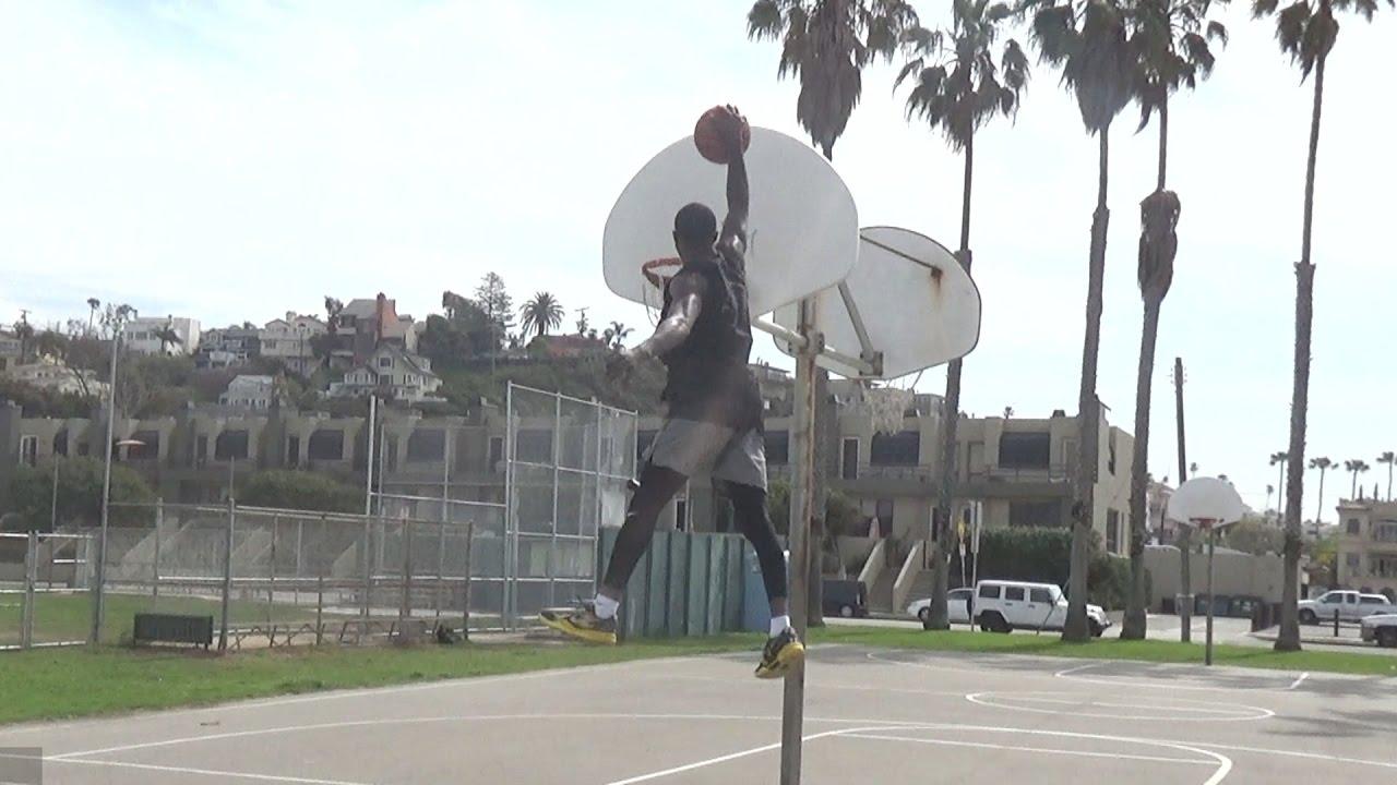 will-bunton-displays-his-50-vertical-leap-sick-dunks