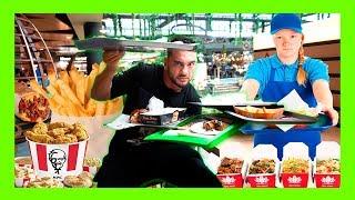ANGAJATII DE LA FAST FOOD DECID CE MANANC !!