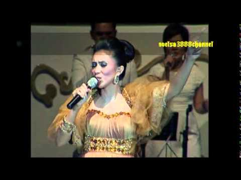 Berjalan BersamaMu Tuhan - Sari Simorangkir feat All Artist. (The Creator Sari Live Concert)