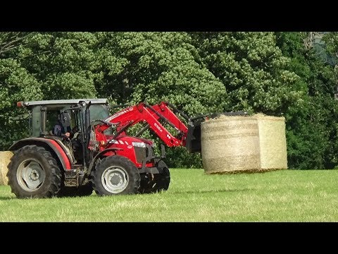 Collecting & Loading Hay Bales with Massey Ferguson 4700