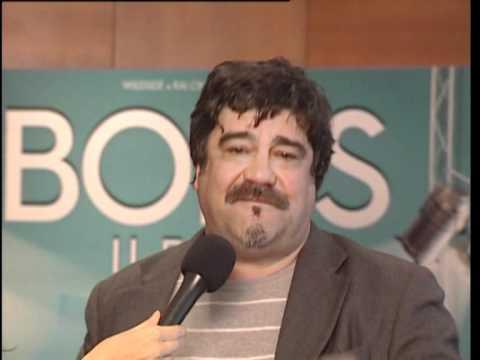 """René Ferretti (Pannofino) invita gli amici di RB Casting a vedere """"Boris - Il film"""""""