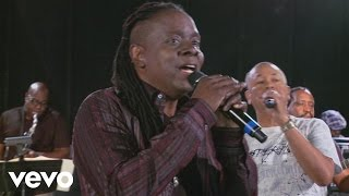 Earth, Wind & Fire - Sign On (Rehearsal)