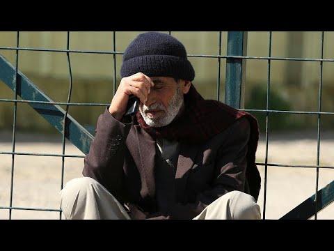 بالدموع والغضب .. ذوو ضحايا عبارة الموصل يشيعون أحبائهم إلى مثواهم الأخير…  - نشر قبل 2 ساعة
