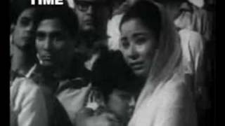 Naunihal (1967) Meri Awaaz Suno-pyar ka rag suno