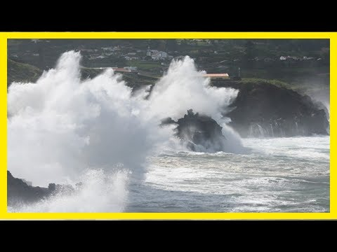 Breaking News | Pirate fm - news - watch: hurricane sparks weather warning for cornwall