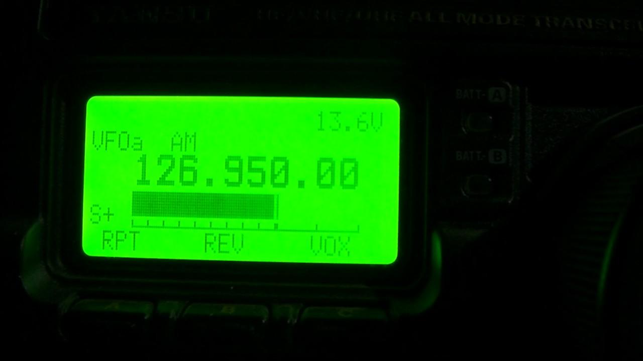 Flugfunk 126950 Mhz Am Mnchen Radar Youtube Digital Speedometer