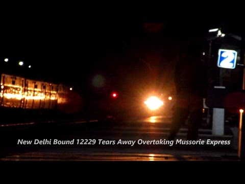 LUCKNOW MAIL: The VIP Superfast of Northern Railways on Night Rampage with WAP-7 !!!
