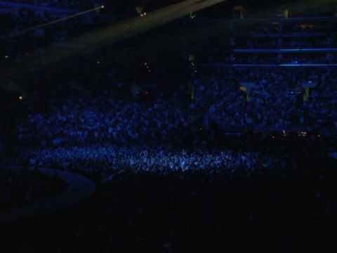 U2  City of blinding lights cut from Entourage TV series