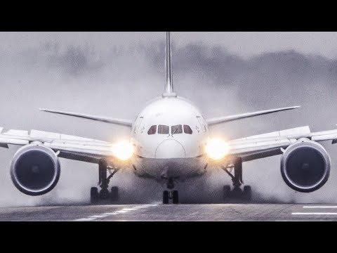 BOEING 787 FULL THRUST REVERSE on a WET RUNWAY - B787 DREAMLINER CROSSWIND landing (4K)
