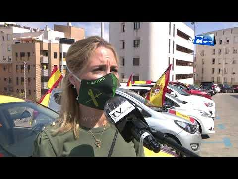 Una caravana de más de cien coches y motos moviliza Vox en protesta contra la gestión del Gobierno Sánchez en el COVID