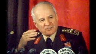Помер сьомий президент Туреччини