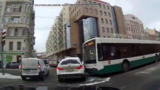 Лиговский, 16 01 2017 автобус против BMW