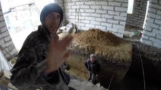 видео Пол ямы в гараже, подвале и смотровой яме, устройство и заливка