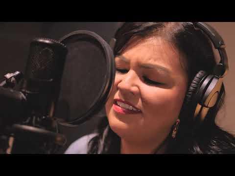 Jesous Ahathonhia (Huron Carol) - Sultans of String feat. Crystal Shawanda
