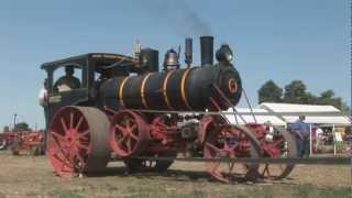 HD-Steam Traction Engine Running a Threshing/Seperator