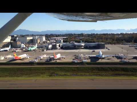 Fly by - Paine Field Airport, Everett, Washington - 28/oct/2013