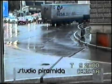 CAR CRASH ACCIDENT 08 / 20