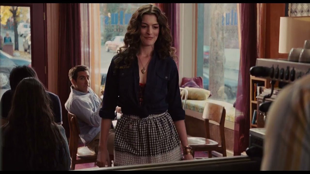 Download LOVE AND OTHER DRUGS ANNE HATHAWAY, JAKE GYLLENHAAL BOLD SCENE