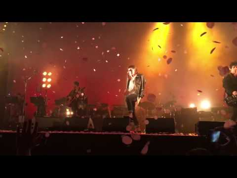 The Last Shadow Puppets - Last Night I Dreamt (The Smiths Cover) live @ Alexandra Palace - London