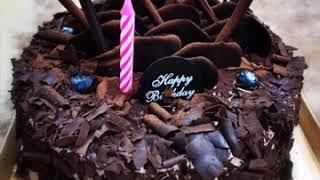Mia Khalifa lick chocolate cake