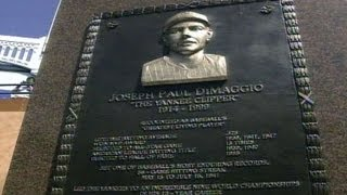 Joe DiMaggio monument is unveiled in 1999