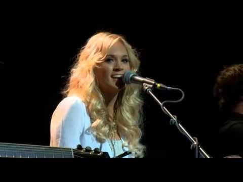Carrie Underwood singing Pontoon (Little Big Town)