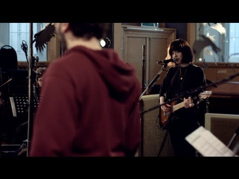 "Daughter - ""Shallows"" (Live @ Air Studios)"