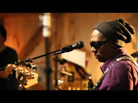 CARAMEL - Live From Daryl's House Episode 66, Amos Lee, Mutlu & Daryl Hall