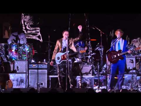 [HQ] Arcade Fire - Neighborhood #3 (Power Out) Live From Capitol Studios. October 29, 2013.