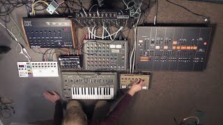 Processing Synths and Drum Machines through a Vintage Maxon Mixer