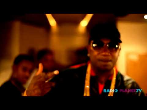 Gucci Mane- I'm Back Bitch (Official Video)