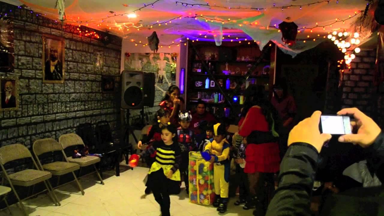 Fiesta para ni os halloween youtube - Decoracion halloween para casa ...