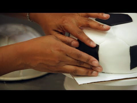 How To Decorate A Football Cake With Fondant