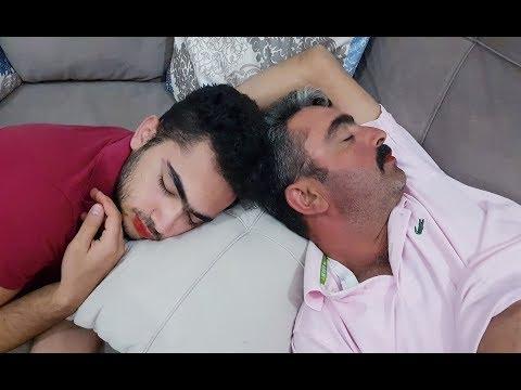 Babamla Bana Eşek Şakası Uyurken Dudağımıza Ruj Sürmüşler Bu Bize Yapılırmı